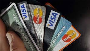 How is compound interest calculated on a credit card balance?